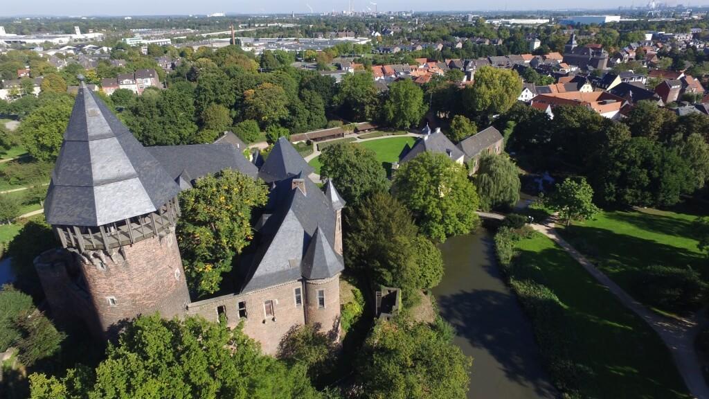 Luftaufnahme Burg Linn Krefeld NRW